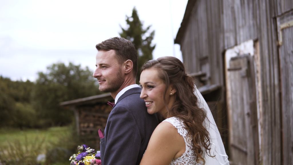 5 reasons for a wedding video